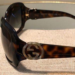 Gucci tortoise GG sunglasses